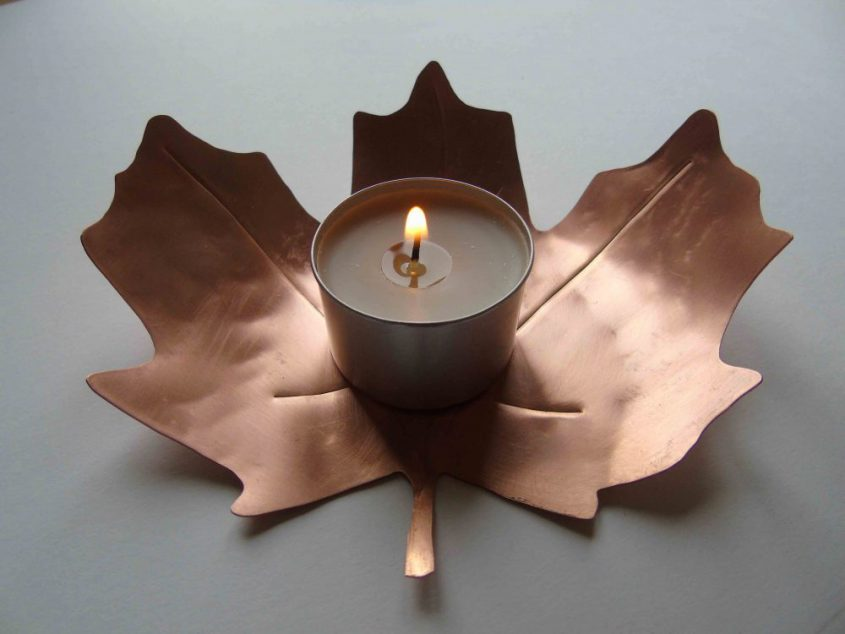 copper leaf shaped tealight holder with tealight