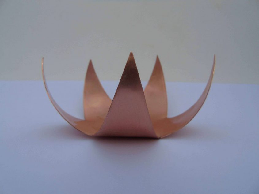 star shaped tealight holder from the side