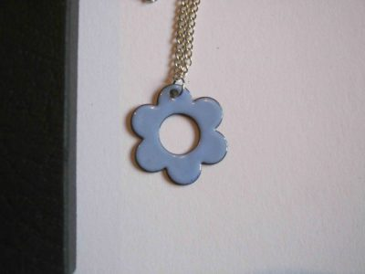 lilac daisy shaped necklace pendant