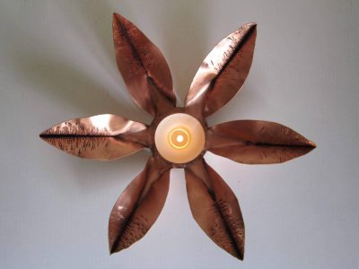 fold formed flower tealight holder with tealight