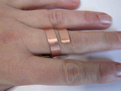Large chunky spiral ring being worn